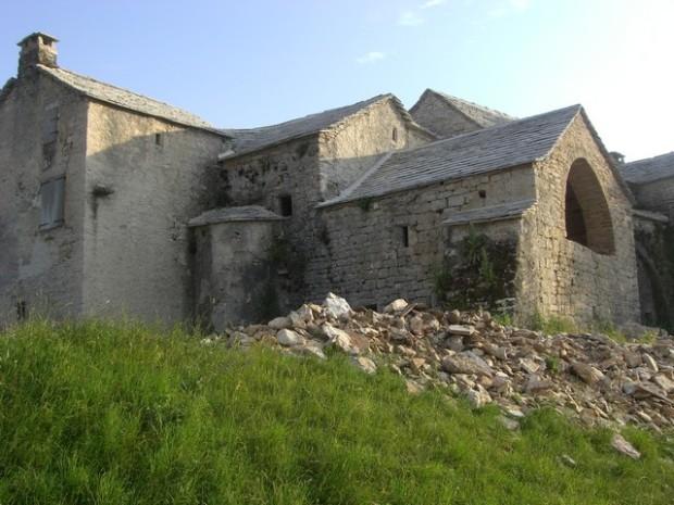 "Fachada de la ""Maison Aragonaise"". Frontera de la ""Maison Aragonaise""."
