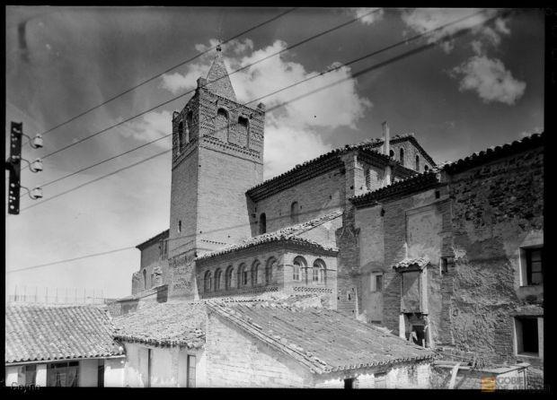 Vista posterior de la Iglesia de San Miguel de Tarazona (1949). Estudio Coyne. A.H.P.Z. Ambiesta de la zaguera d´a ilesia de San Migal de Tarazona