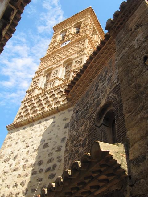 Torre mudéjar de la iglesia de Tierga.- Torre mudéxar d´a ilesia de Tierga