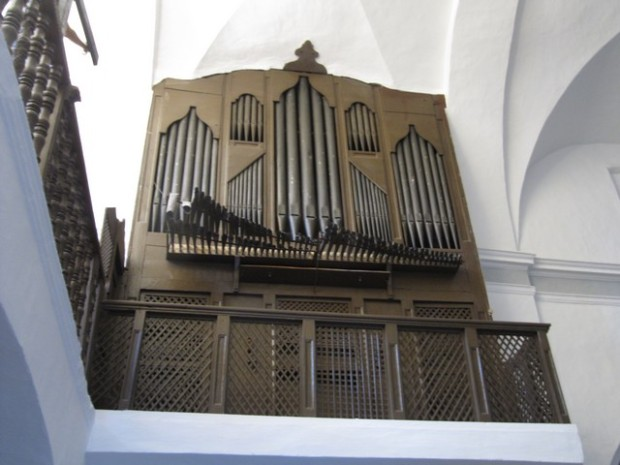 Órgano de la iglesia.- Güergano d´a ilesia