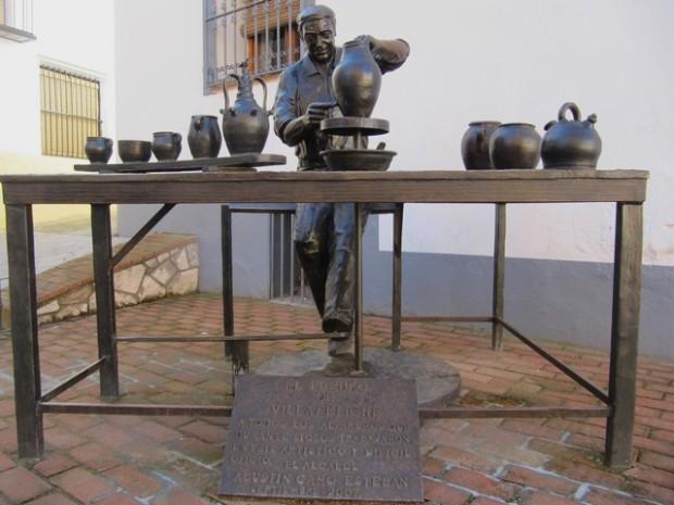 Monumento a los tinajeros.- Molimén á los tenallers