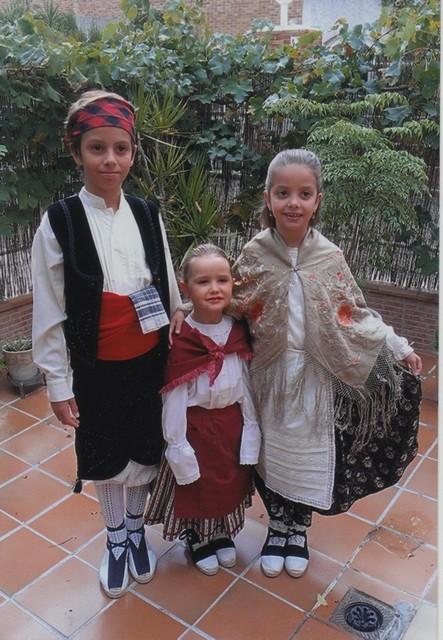 Ramón, Alicia y Teresa, nietos de Mª Victoria.